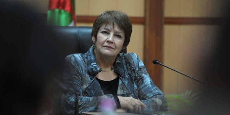 La ministre de l'Education nationale, Nouria Banghabrit, est prête à discuter avec les syndicalistes du Cnapeste. Mais elle pose une condition: la reprise des cours.