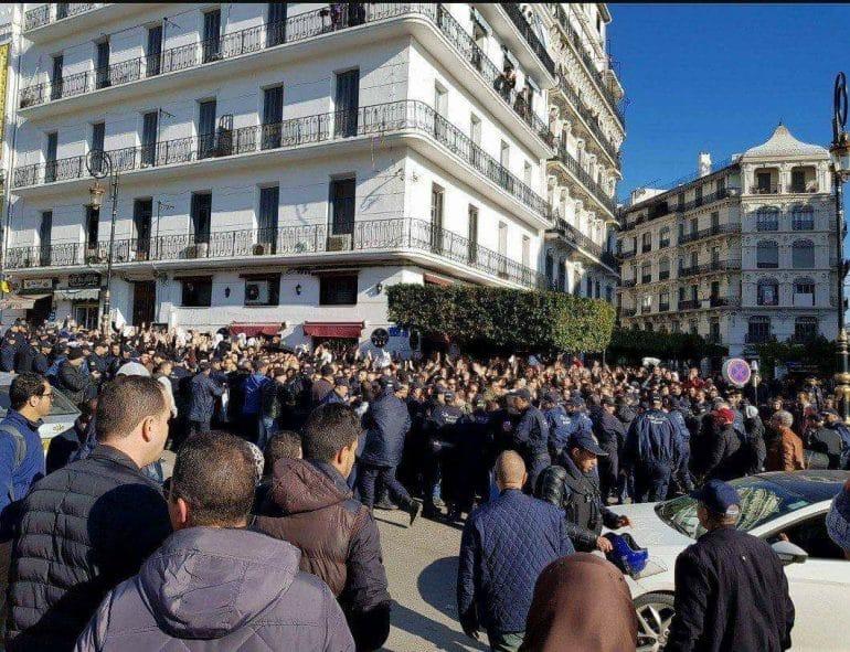 Direct : rassemblement des médecins résidents à Alger
