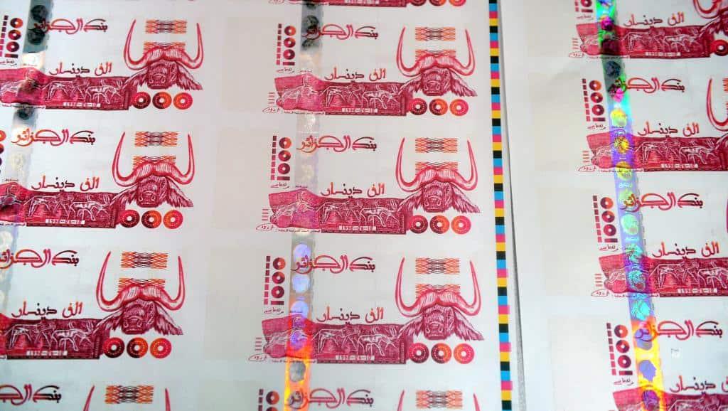 Malgré la hausse des recettes budgétaires, le solde global du Trésor public devra afficher un déficit de près de 2 200 milliards de dinars en 2019, selon les projections du projet de loi de finances, adopté mercredi dernier en Conseil des ministres.