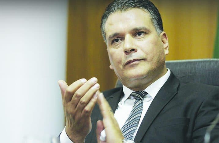 Le chef du groupe parlementaire du Fln Mouaad Bouchareb est élu nouveau président de l'APN après un vote à la majorité.