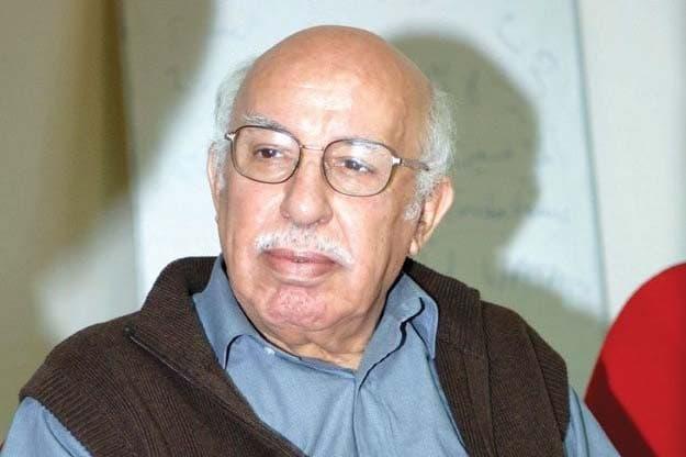 Le Commandant Azzeddine accuse directement l'avocat Farouk Ksentini d'avoir remis ses chèques à blanc laissés à son niveau pour payer ses créanciers.