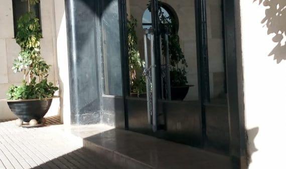 L'Assemblée populaire nationale (APN) a connu une journée mouvementée. En «débrayage», depuis plus de trois semaines, les députés frondeurs de la majorité (FLN-RND-TAJ-MPA) recourent désormais à la force pour tenter de contraindre le président de l'Assemblée, Saïd Bouhadja à la démission.