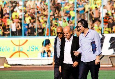 Suite à la guerre sans merci dans laquelle se sont lancés Cherif Mellal, président de la JS Kabylie et Adbelkrim Medouar président de la ligue de football professionnel (LFP), le comité directoire de la JSK vient d'annoncer qu'ils ne joueront pas match de demain pour demain Mardi 06 novembre face à l'USM Alger à Bologhine.