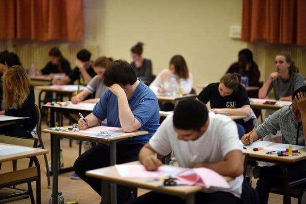 Le calendrier des examens pour les élèves de primaire, du moyen et du secondaire a été rendu public aujourd'hui, 18 novembre, par la ministre de l'éducation Nouria Benghabrit sur ces comptes Facebook et Twitter.