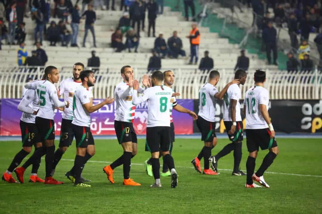 Le MC Alger a validé son ticket pour les quarts de finale de la Coupe arabe des clubs après son succès ce mercredi soir au stade du 5 Juillet devant le club saoudien d'Al Nasr sur le score de 2 buts à 1.
