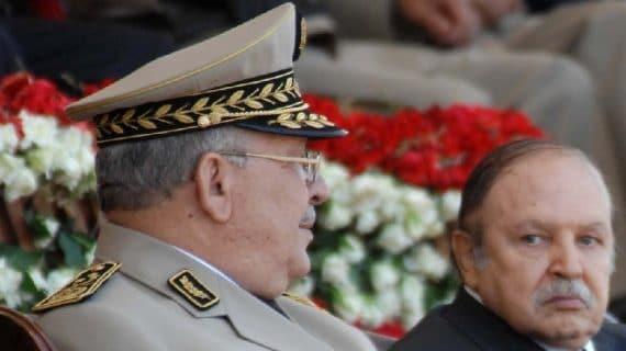 Le président de la république Abdelaziz Bouteflika, ministre de la défense, et Ahmed Gaid Salah, vice ministre de la défense