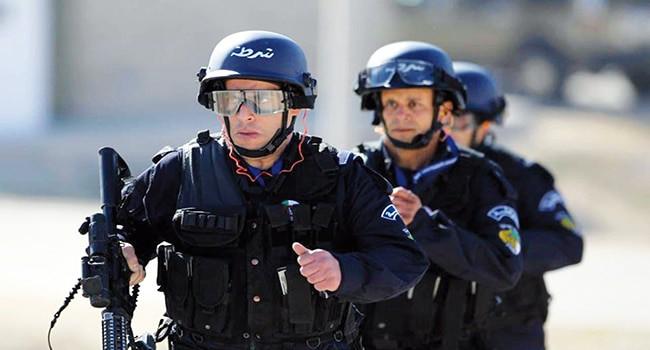Sami Chekatt, 34 ans, l'un des frères de l'assassin présumé du marché de Noël a été interpellé en Algérie dans le cadre d'un mandat de recherche pour association de malfaiteurs terroriste rapporte le Parisien.
