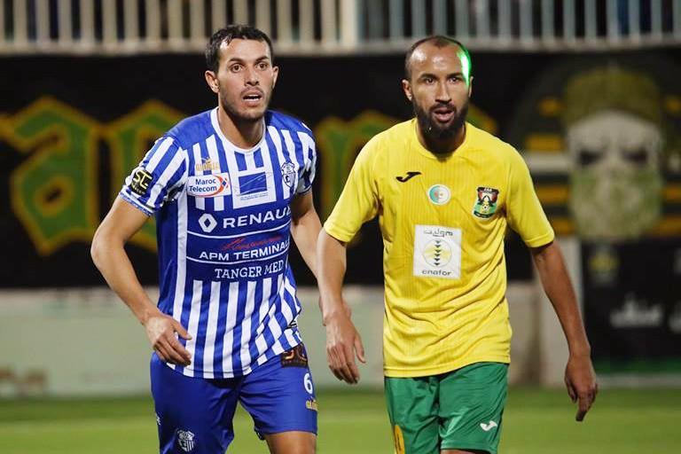 L'IRB Lakhdaria, club évoluant dans le championnat de la Division amateur crée la seconde sensation des 32 emes de finale de la coupe d'Algérie en éliminant le sociétaire de la Ligue 1, la JS Saoura aux penalties 4-3.