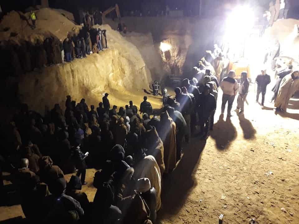 L'information est confirmée officiellement pour les services de la protection civile. Le jeune Ayache Mahdjoubi, coincé dans un puits depuis six jours est mort. Tous les espoirs de le retrouver vivant sont anéantis.