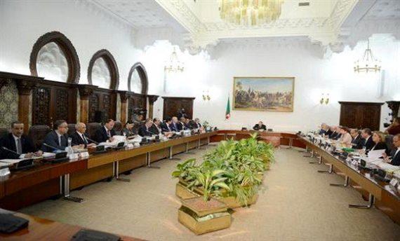 Le président de la République, Abdelaziz Bouteflika, préside ce jeudi à Alger une réunion du Conseil des ministres et la cérémonie de signature de la loi de finances 2019 a annoncé l'agence officielle APS.