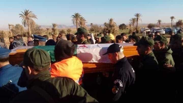Le jeune Ayache Mahdjoubi (31 ans), décédé suite à une chute dans un puits artésien de 30 mètres de profondeur a été inhumé jeudi au cimetière du village d'Oum Echemel dans la commune de Houamed (130km à l'ouest de M'sila) dans une ambiance de tristesse et de consternation, en présence d'une foule nombreuse composée de proches et de citoyens venus de plusieurs régions du pays.