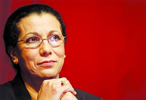 La secrétaire générale du Parti des travailleurs (PT), Louisa Hanoune, a été réélue, dimanche à la tête de sa formation politique à l'issue du 7ème congrès qui s'est tenu à l'Office du Village des Artistes à Alger.