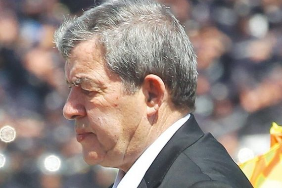 L'ancien président de la JS Kabylie, Moh Chérif Hannachi a été à l'honneur, dimanche soir, à l'école supérieure de l'hôtellerie et de restauration d'Alger, à Aïn Benian, en marge du tirage sort des huitièmes et des quarts de finale de la coupe d'Algérie de football.