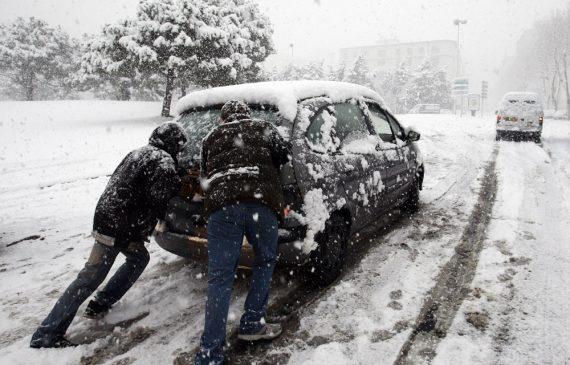 Vingt-deux (22) routes nationales et 26 routes de wilaya ont été bloquées en raison des intempéries ayant touché 14 wilayas