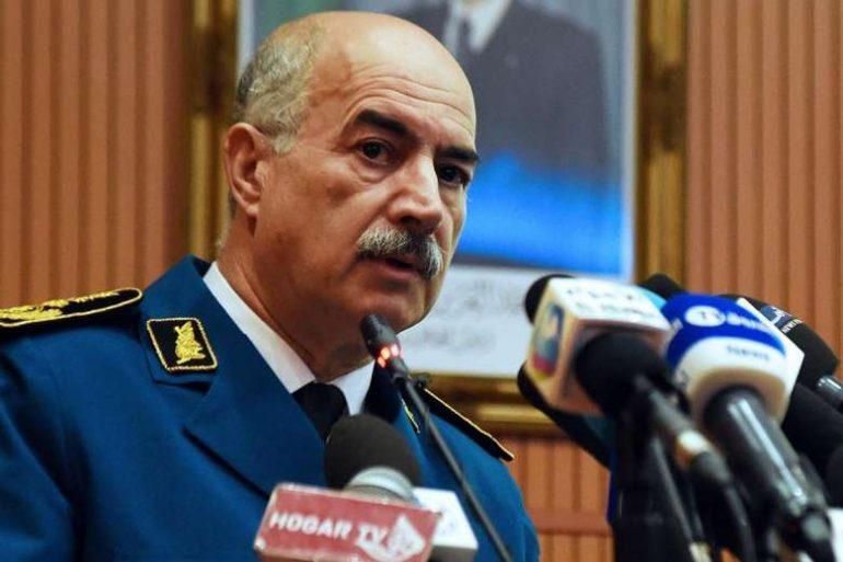 La mission du colonel Lehbiri nommé récemment en remplacement provisoire au général Abdelghani Hamel vient de prendre fin ce soir 13 février. Il vient d'être remplacé par le contrôleur de police Abdelkader Kara Bouhedba.