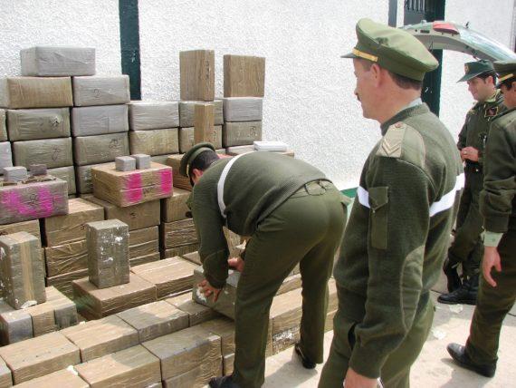 Une opération toujours en cours par les élements de la gandarmerie nationale à Blida, a permis aujourd'hui l'arrestation de 12 narcotrafiquants et la saisie d'une immense quantité de kif traité s'élevant à onze (11) quintaux et vingt (20) kilogrammes rapporte un communiqué du ministère de la défense (MDN).
