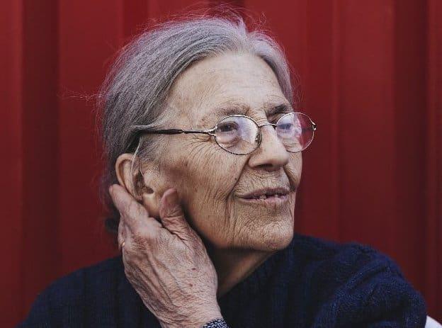 Josette Audin est décédée samedi matin à l'âge de 87 ans.Elle se battait depuis plus de soixante-un ans pour quel'Etat reconnaisse la responsabilité de la Francedans la disparition de son mari, Maurice Audin, militant communiste et anti-colonialiste, arrêté et torturé en juin 1957 par l'armée française, pendant la guerre d'Algérie.