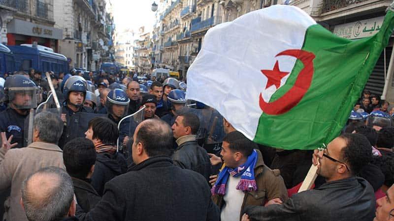 Le temps est à la panique dans le camp des partisans du 5emandat du président Bouteflika. L'appel à la manifestation, le 22 février prochain, contre la reconduction d'un chef d'Etat impotent, les fait trembler. Croyant pouvoir reproduire les mêmes scénarios qu'en 2009 et 2014, ils se sont heurtés à un rejet quasi-unanime de leurs discours et de leurs choix.