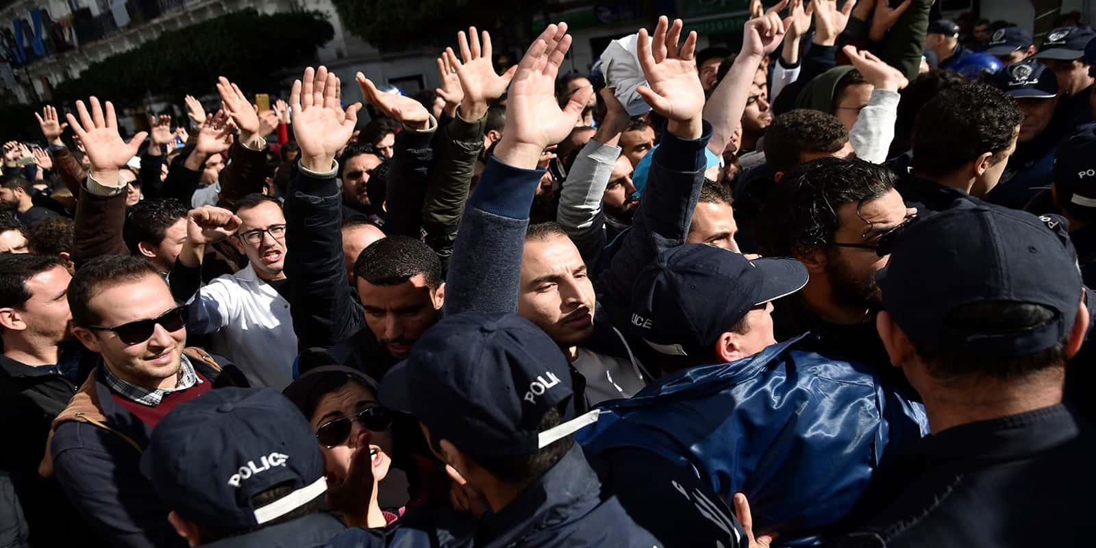 Le mouvement «Mouwatana» appelle à une manifestation pour exprimer son rejet pour le 5eme mandat, dimanche prochain 24 février 2019, à la place Audin à Alger et devant les sièges de wilayas à travers tout le territoire national.