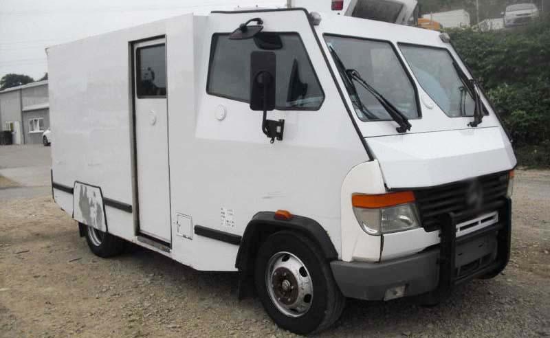 Un camion de transport de fonds a été attaqué par trois cambrioleurs armés dans la région de Sidi Daoud à Boumerdès. Les trois hommes ont dérobé les 20 milliards de centimes qui étaient dans le camion pourtant blindé.
