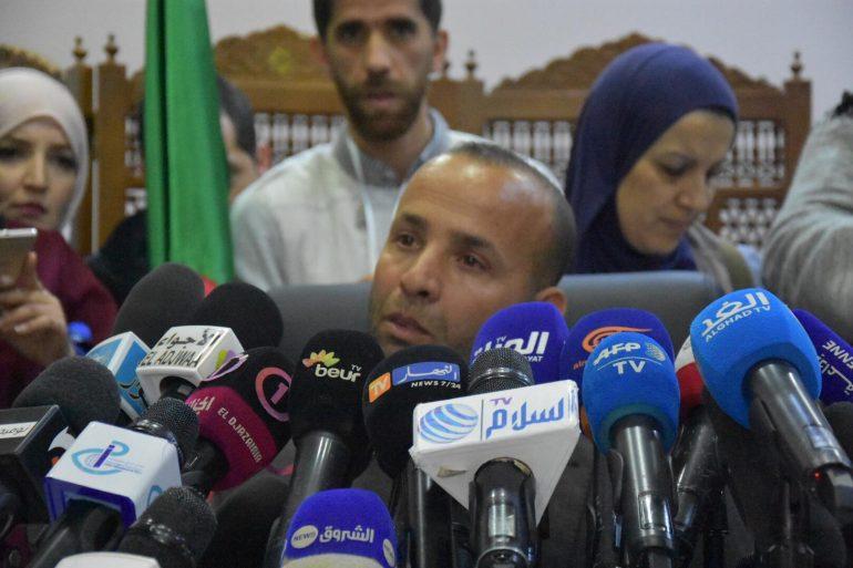 Rachid Nekkaz présente son cousin aux éléctions — URGENT