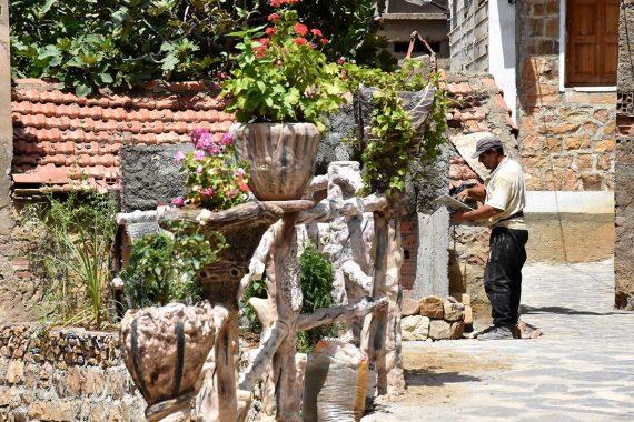 Les travaux de décoration et de rénovation au village Sahel en prévision de la 16 édition du festival Raconte-Arts