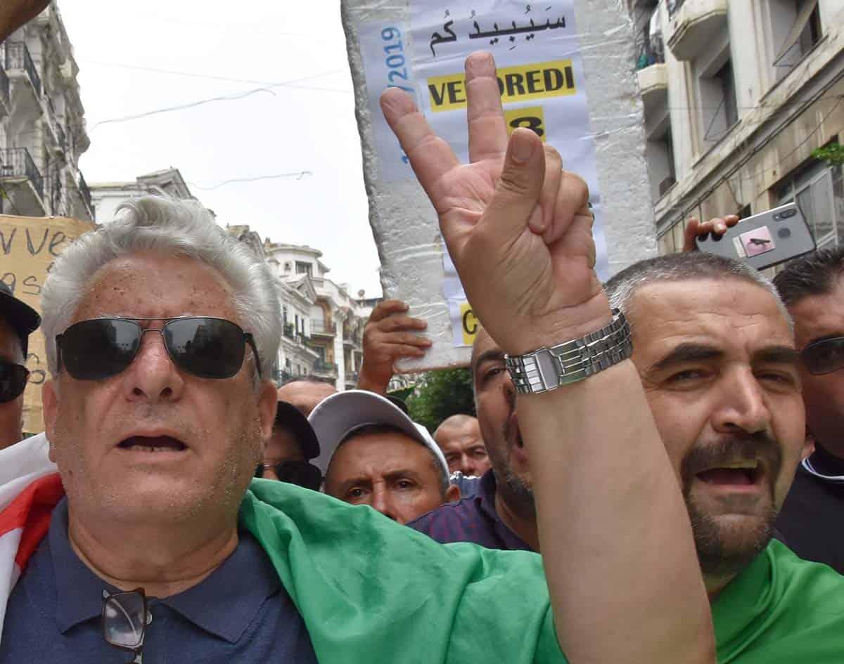 L'activiste Samir Belarbi et l'avocat Me Mustapha Bouchachi
