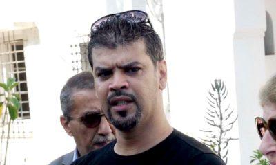 Le journaliste Said Boudour lors d'un rassemblement à la maison de la presse à Alger
