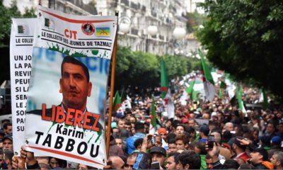 Des milliers de manifestants défilent sur la rue Didouche Mourad à Alger ce vendredi 08 Novembre 2019
