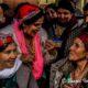 © INTERLIGNES | Les femmes du village Sahel se préparent pour les chants ancestraux