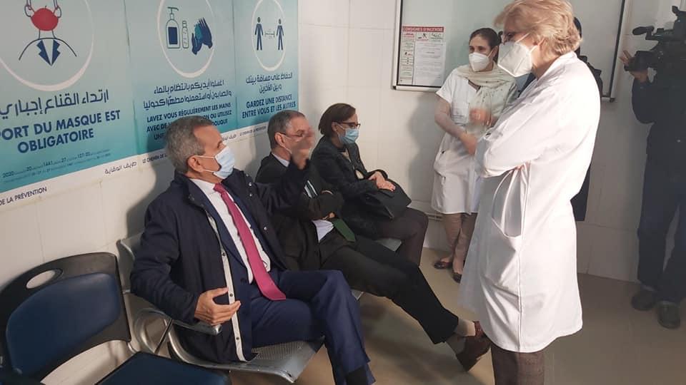 © DR  Le ministre de la Santé Abderrahmane Benbouzid attendant de recevoir une dose du vaccin contre le covid-19 à l'hôpital El Kettar à Alger