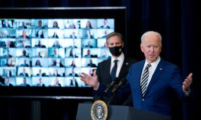 Le président Biden s'est entretenu jeudi avec le personnel du département d'État.