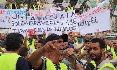 © DR | manifestation des salariés de NUMILOG et ALCOST à Béjaia