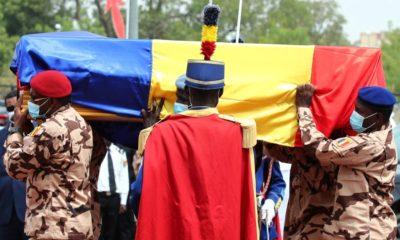 © DR | Des soldats tchadiens portent le cercueil de feu le président tchadien Idriss Deby lors des funérailles nati