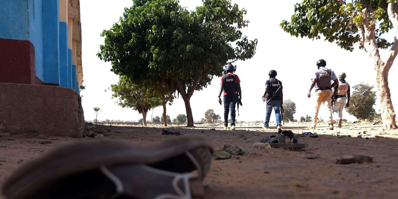 © DR   La police en patrouille autour du pensionnat de Kankara (Nigeria), le 15 décembre, après l'enlèvement de centaines d'élèves.