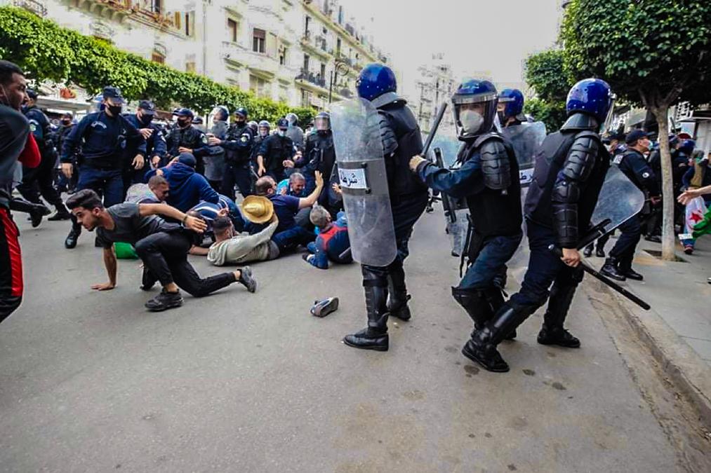 © B.Z. | Répression de la 115e marche du Hirak à Alger
